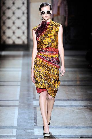 Indonesian-Batik-Fashion-Style-2015-Modern-Dress-Batik-009